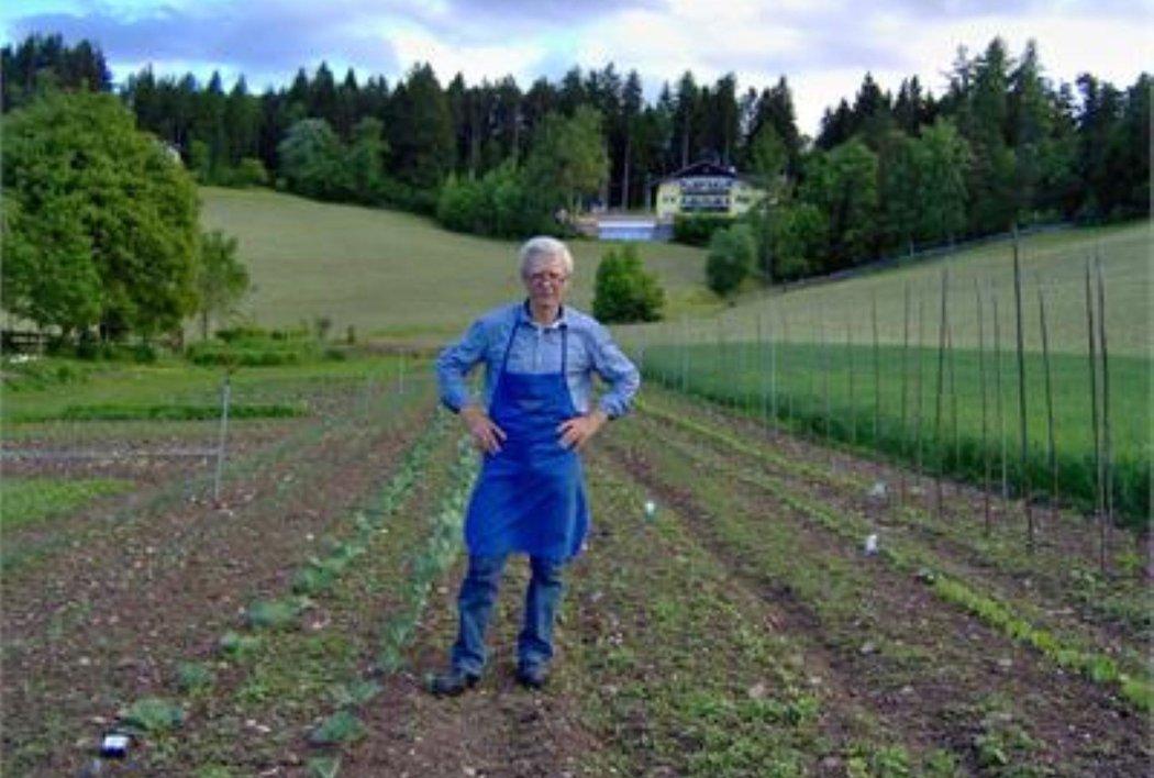 Karl Radmüller im Garten