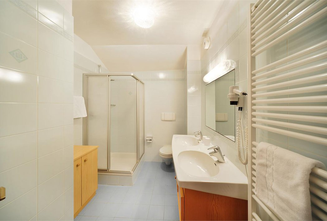 """bathroom """"Appartement Etschtal"""""""