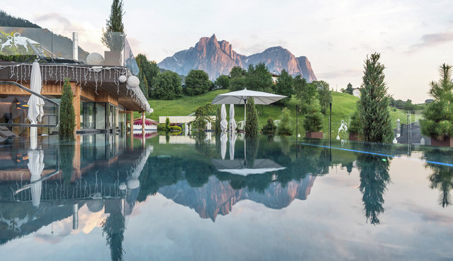 ABINEA Dolomiti Romantic SPA Hotel - Sky pool