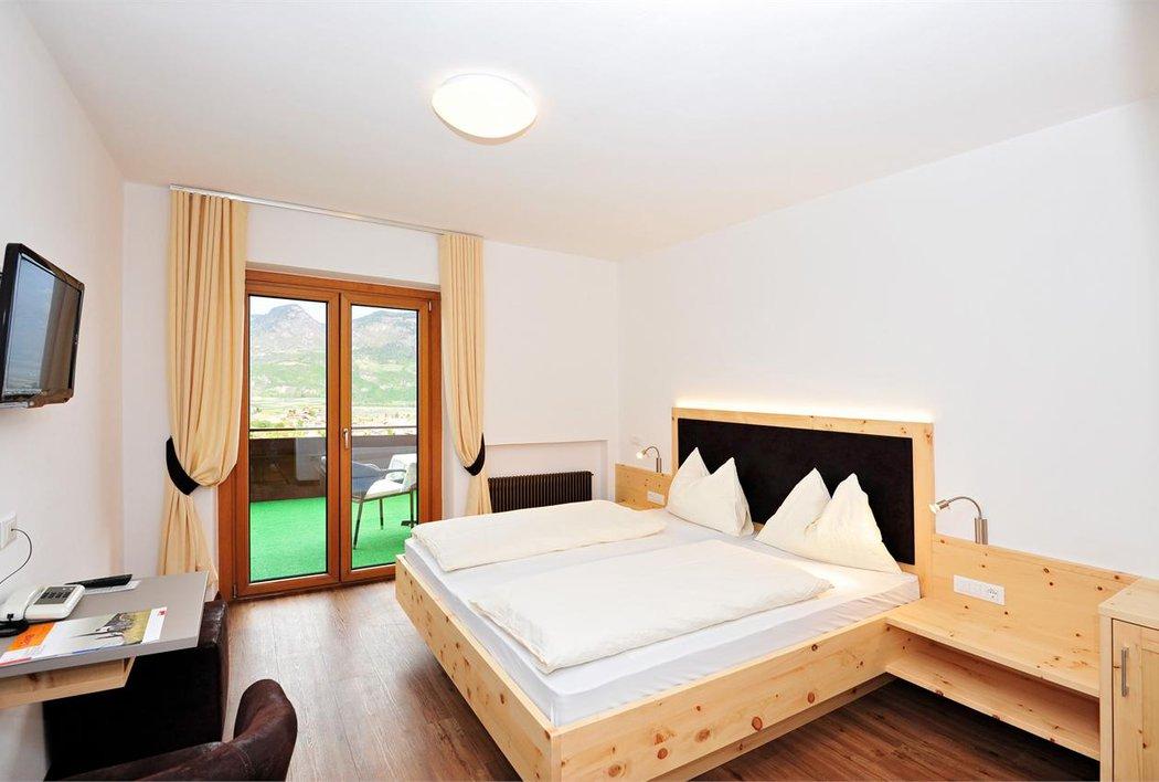 Panorama-Doppelzimmer mit Terrasse
