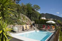 Unser Schwimmbad mit Panoramaaussicht