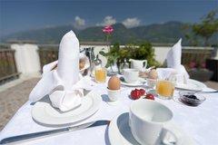 Frühstück auf der Sonnenterrasse