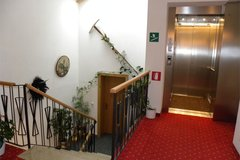 staircase/lift
