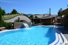"""Indoorswimmingpool and sauna """"CRON4"""" a few minutes from our HOTEL"""