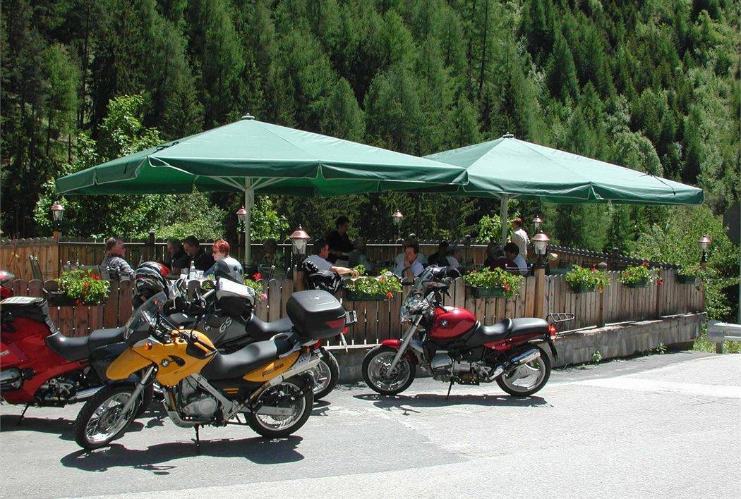 Motorradfahrer sind bei uns Willkommen!