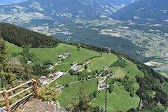 Hanserhof von oben (Bildmitte)